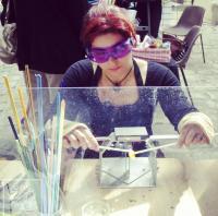 Découverte et démonstration de filage de verre au chalumeau , ariane chaumeil Ar'Bords Essences - A la Guilde du Dragon de Verre